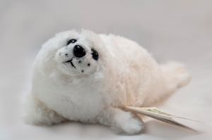 Maskotka foka PETJES 23cm biała